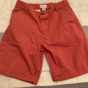 Boys chino shorts. Easy fit, washed red color.